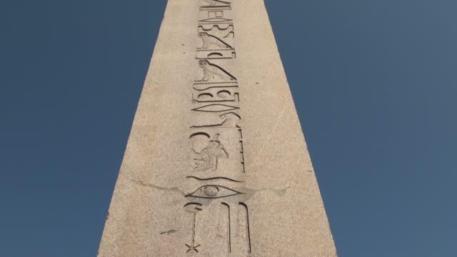 hd:the obelisk of theodosius  istanbul, turkey - obelisk stok videoları ve detay görüntü çekimi