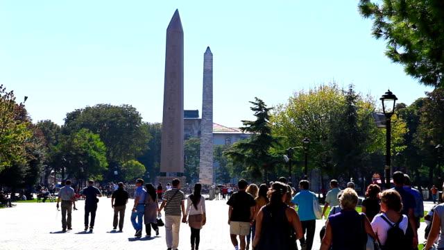 hd:the obelisk of theodosius,  istanbul, turkey - obelisk stok videoları ve detay görüntü çekimi