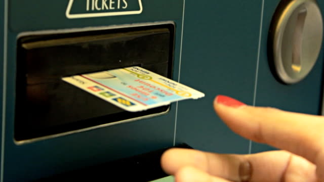 HD:Woman get the MRT ticket video