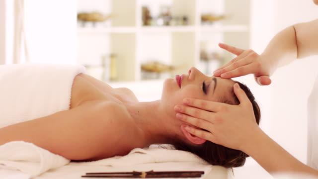 Head massage video