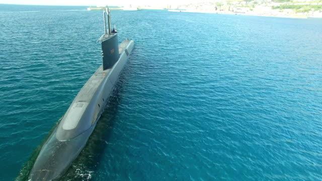 vídeos y material grabado en eventos de stock de rumbo a puerto - submarino debajo del agua
