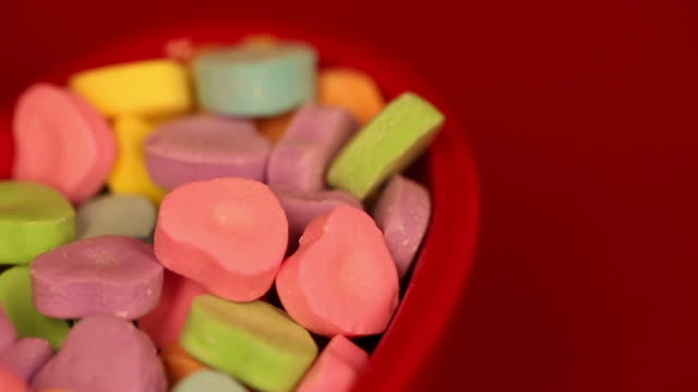 Heart Candy Bowl Pan Left video