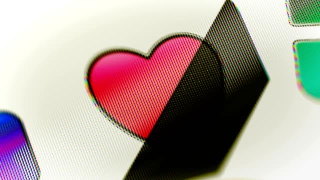 heart icon on the screen. looping. - incontro romantico video stock e b–roll