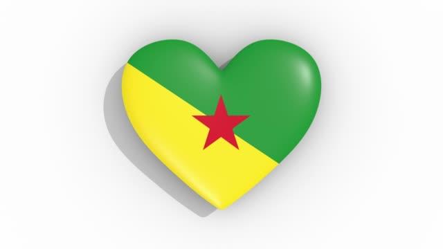stockvideo's en b-roll-footage met heart in kleuren vlag van frans-guyana pulsen, lus - ridderlijkheid