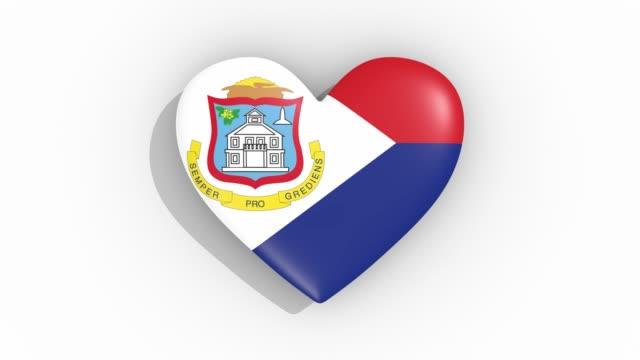 heart in colors flag of sint maarten pulses, loop - saint martin caraibi video stock e b–roll