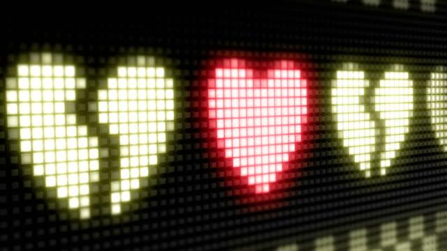 vídeos de stock e filmes b-roll de heart - coração fraco