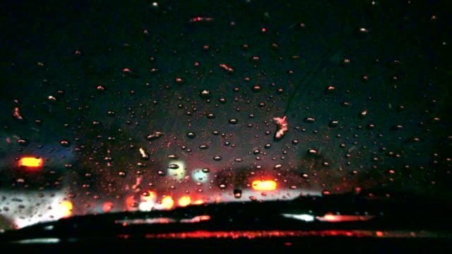 Heavy raining night traffic