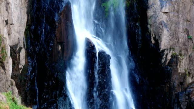 heawnarok waterfall - attività equestre ricreativa video stock e b–roll