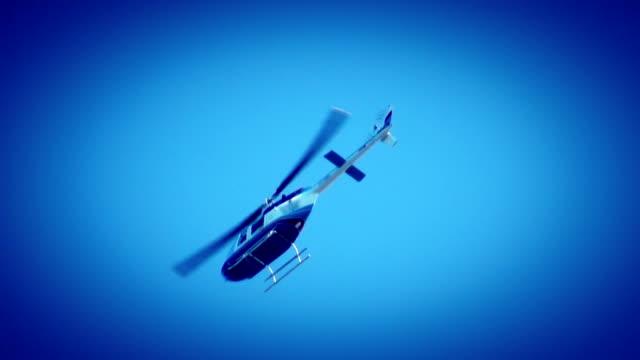 vídeos de stock, filmes e b-roll de helicóptero - helicóptero