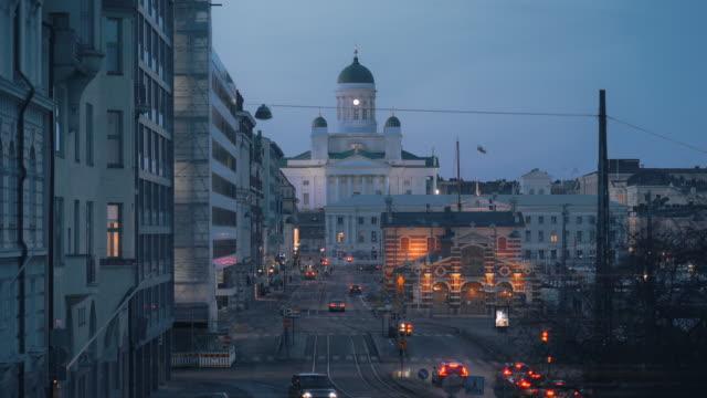 helsingfors domkyrka på natten i finland - finland bildbanksvideor och videomaterial från bakom kulisserna