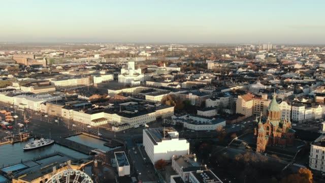 Helsinki city center aerial view at sunrise - vídeo