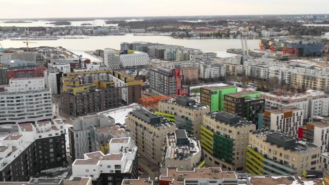 helsingfors, finland. flygvy över staden, hamnen och det moderna stadsområdet - drone helsinki bildbanksvideor och videomaterial från bakom kulisserna