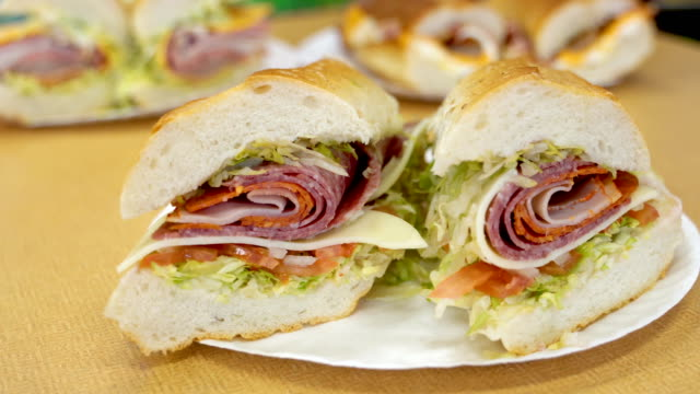 vídeos y material grabado en eventos de stock de sándwich de héroe - tienda delicatessen
