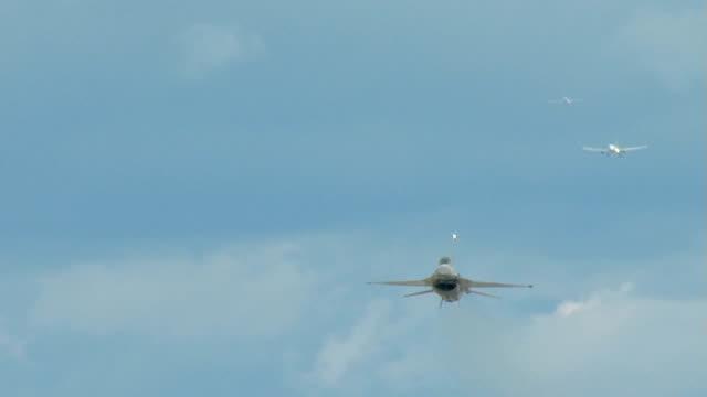 F16 High Performance Takeoff video