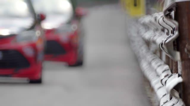 고속 회로 자동차 경주 - 레이싱 스톡 비디오 및 b-롤 화면