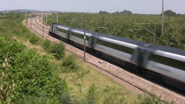 vídeos y material grabado en eventos de stock de tren de alta velocidad - viaje a reino unido