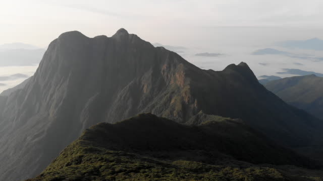 巴西南部最高的亞馬遜雨林熱帶山 - 四k 解析度 個影片檔及 b 捲影像