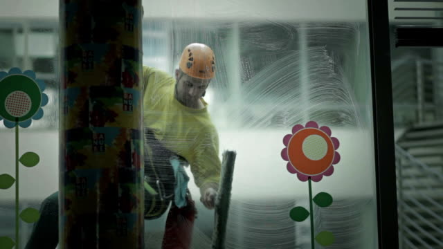 High-rise window cleaner. video