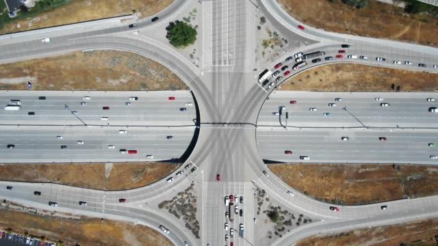 vidéos et rushes de passage supérieur de la route - route surélevée