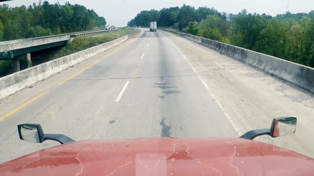 motorväg trafik från lastbilen - bilperspektiv bildbanksvideor och videomaterial från bakom kulisserna