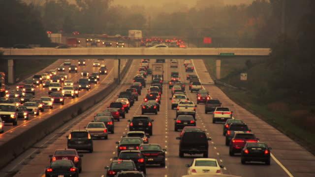 highway traffic - trafik sıkışıklığı stok videoları ve detay görüntü çekimi