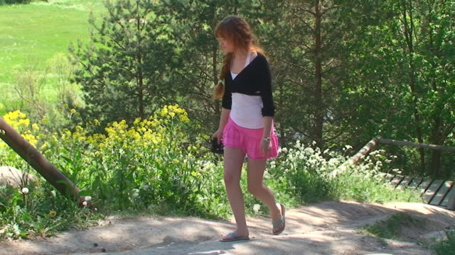 пеших прогулок и экскурсий - юбка стоковые видео и кадры b-roll