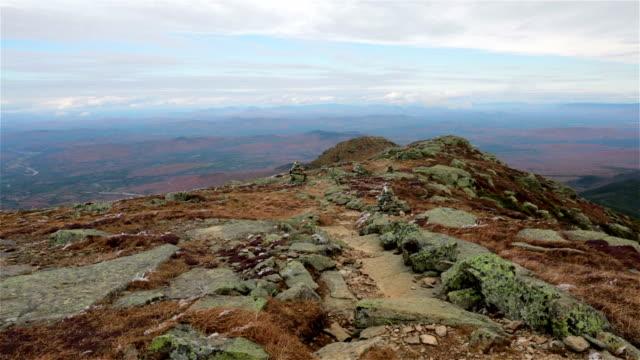 hiking trail, franconia notch, new hampshire - bergsrygg bildbanksvideor och videomaterial från bakom kulisserna
