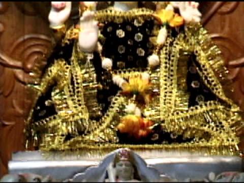 tempio indù 1 - rappresentazione umana video stock e b–roll