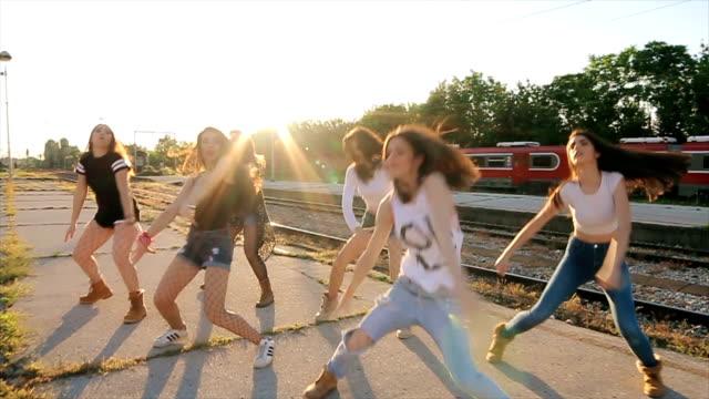 ヒップホップ ダンス パフォーマンス、カメラ安定撮影 ビデオ