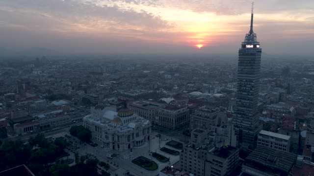 historic center of mexico city view with drone - город мехико стоковые видео и кадры b-roll