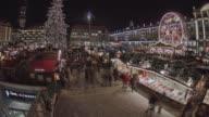 istock Historic German Christmas Market Striezelmarkt Dresden 4K 1097130414