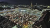 istock Historic German Christmas Market Striezelmarkt Dresden 4K 1097141408