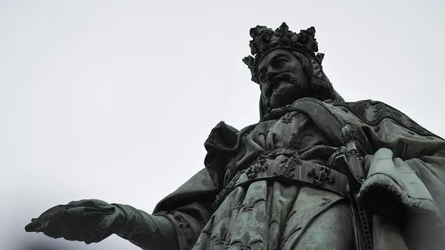 Historic statue HD 23