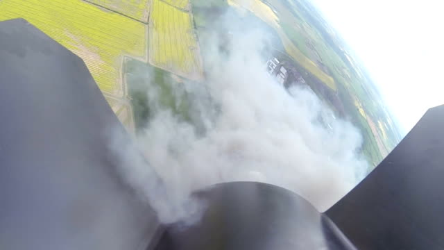 hobby rakete nimmt pov weg - rakete stock-videos und b-roll-filmmaterial