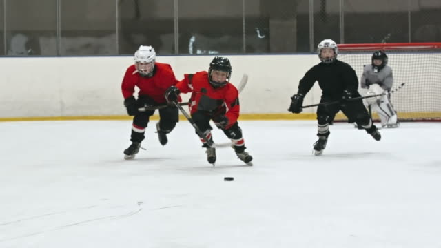 hockey-kinder - hockey stock-videos und b-roll-filmmaterial