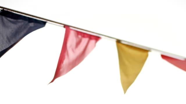 vídeos de stock, filmes e b-roll de bandeiras de natal, festas, na praia - insígnia