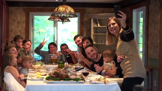 Video Holiday Season Family Group Diner