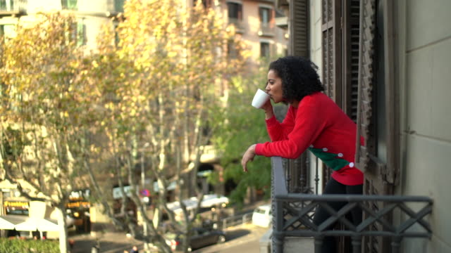 holidays in barcelona - balcone video stock e b–roll