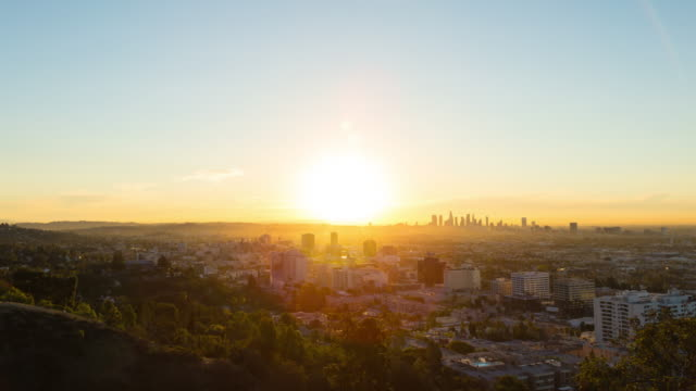 vídeos de stock, filmes e b-roll de hollywood e los angeles sunrise timelapse - nascer do sol