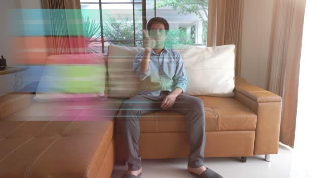 ホーム オートメーションおよびスマート ホーム技術 - 照明制御 - 電化製品点の映像素材/bロール