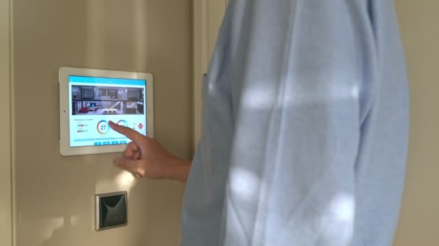 ホーム オートメーションおよびスマート ホーム技術 - 電化製品点の映像素材/bロール