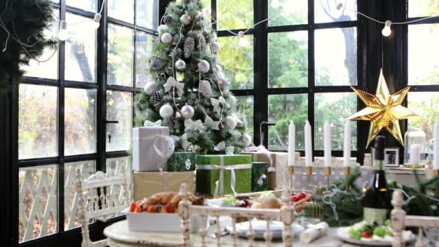 hem juldekoration - christmas decorations bildbanksvideor och videomaterial från bakom kulisserna