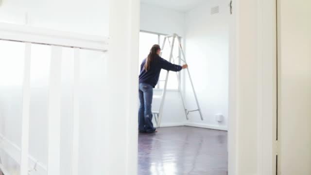 stockvideo's en b-roll-footage met home improvements: ladder - ladder