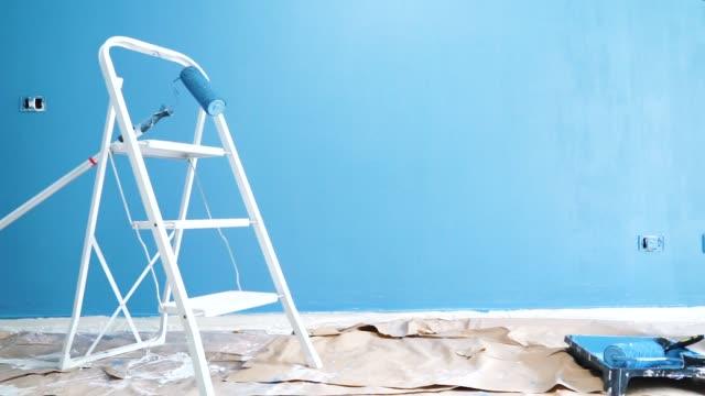 stockvideo's en b-roll-footage met home renovatie concept - ladder
