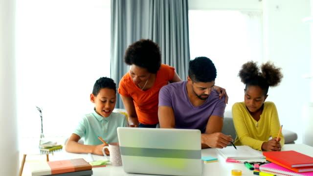 vídeos de stock e filmes b-roll de home schooling during quarantine. - girl study home laptop front