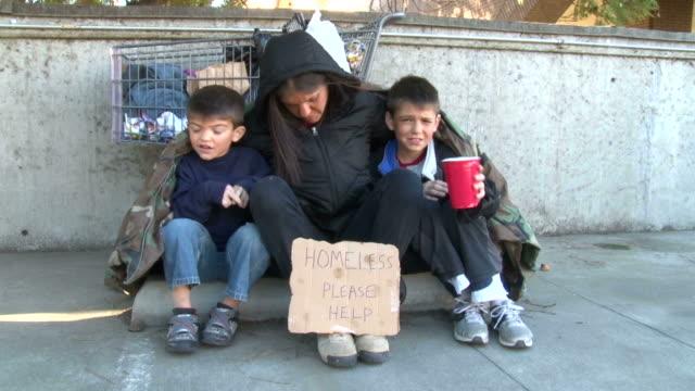 Homeless familia puede ayudarnos a - vídeo