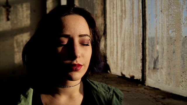 Homeless girl,portrait video