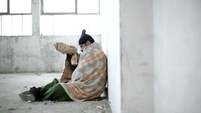 Hombre sin hogar - vídeo