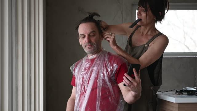 DIY Homemade HairCut Couple during Covid-19