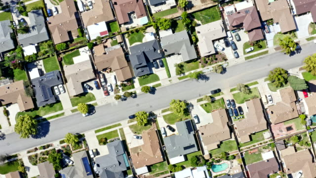 Homes in Orange County, California California suburbs from a drone point of view during state lockdown. residential district stock videos & royalty-free footage